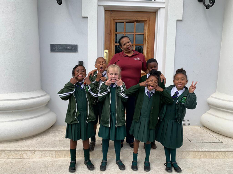Heron Bay Primary Students Visit The Premier Bermuda Feb 2020 (3)