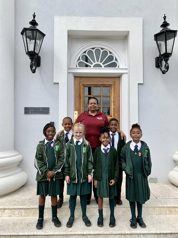 Heron Bay Primary Students Visit The Premier Bermuda Feb 2020 (4)