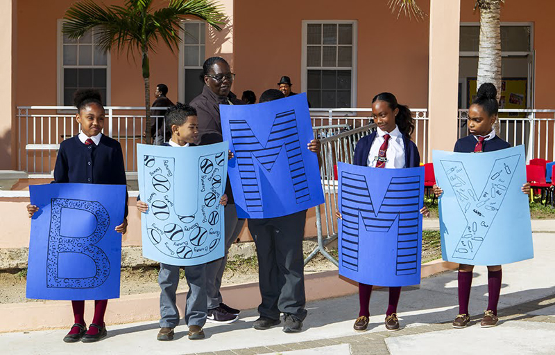 Minister recognizes Bermudian icons at primary school Feb 2020 (2)