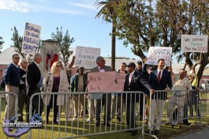 SDO Protest Cabinet Grounds Bermuda Mar 18th 2011-1-4