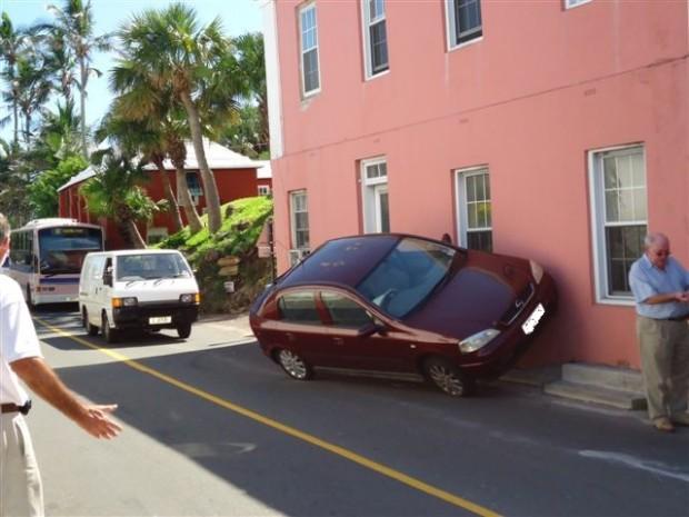 Car hits wall in Flatts 1142am   21SEP11 003