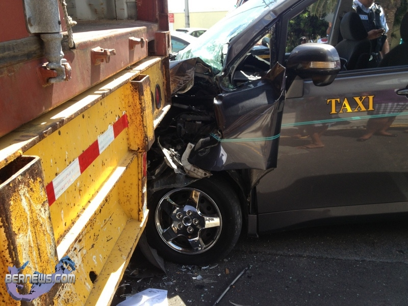 taxi-accident-Bermuda-Sept-4-2012_wm