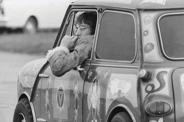 Lennon In Mini