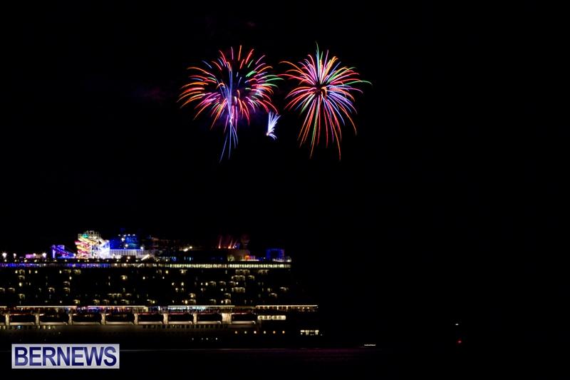 Norwegian-Breakaway-Fireworks-In-Dockyard-Bermuda-July-4-2013-1