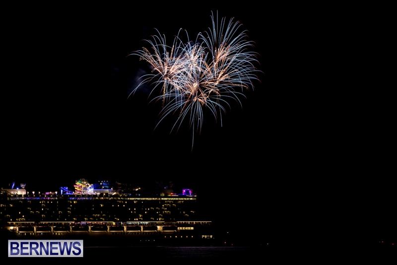 Norwegian-Breakaway-Fireworks-In-Dockyard-Bermuda-July-4-2013-12