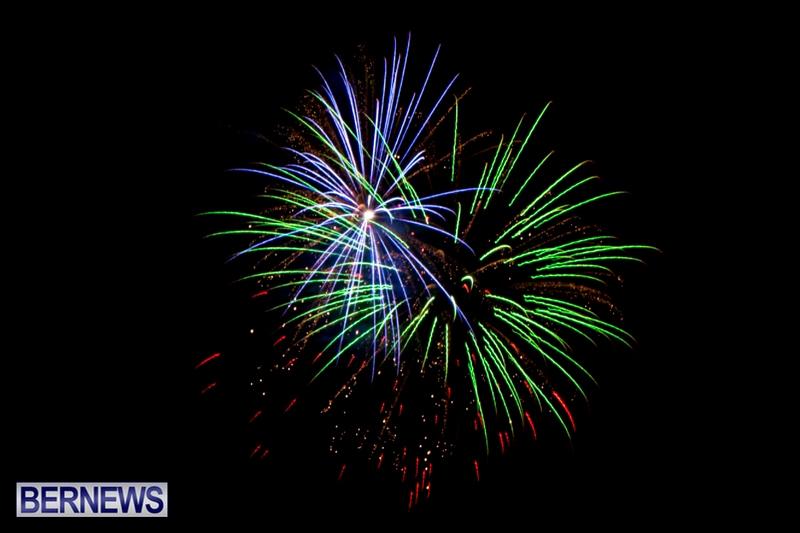 Norwegian-Breakaway-Fireworks-In-Dockyard-Bermuda-July-4-2013-23
