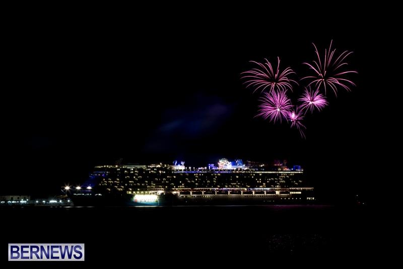 Norwegian-Breakaway-Fireworks-In-Dockyard-Bermuda-July-4-2013-3