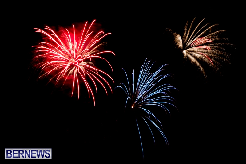 Norwegian-Breakaway-Fireworks-In-Dockyard-Bermuda-July-4-2013-30