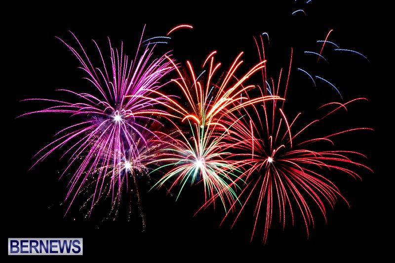 Norwegian-Breakaway-Fireworks-In-Dockyard-Bermuda-July-4-2013-34