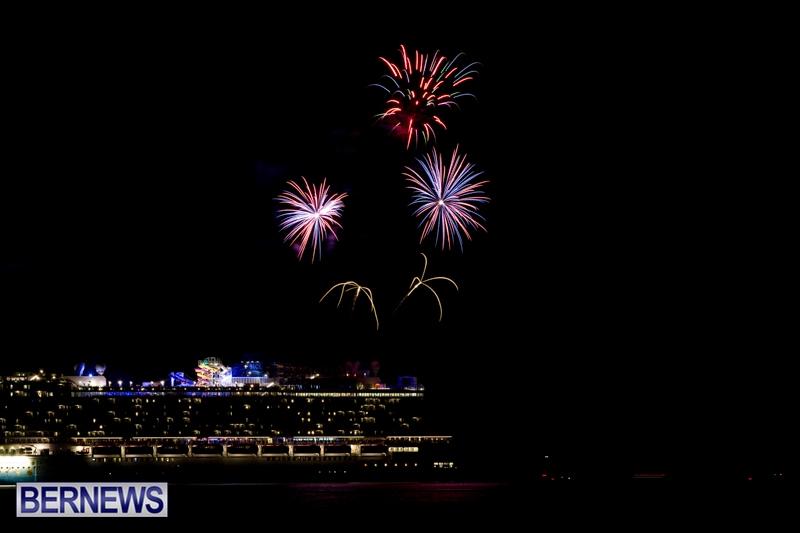 Norwegian-Breakaway-Fireworks-In-Dockyard-Bermuda-July-4-2013-4