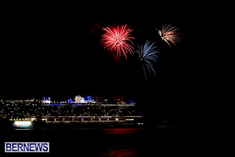 Norwegian-Breakaway-Fireworks-In-Dockyard-Bermuda-July-4-2013-5