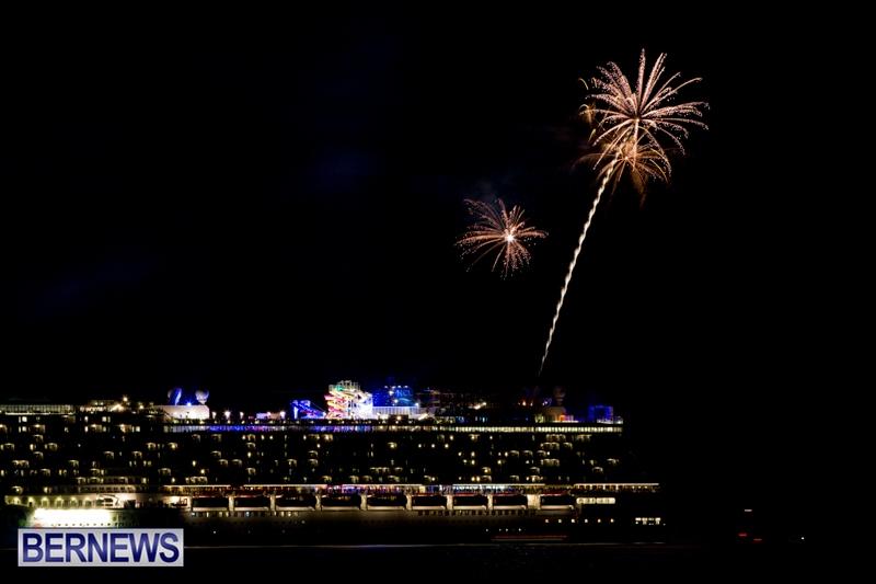 Norwegian-Breakaway-Fireworks-In-Dockyard-Bermuda-July-4-2013-7