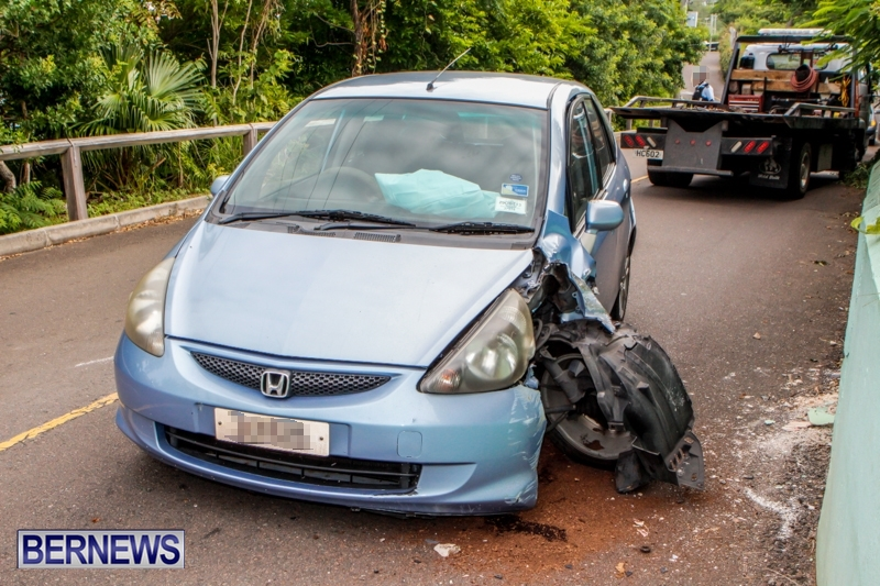 Car-Accident-Great-Bay-Road-Bermuda-October-8-2013-2