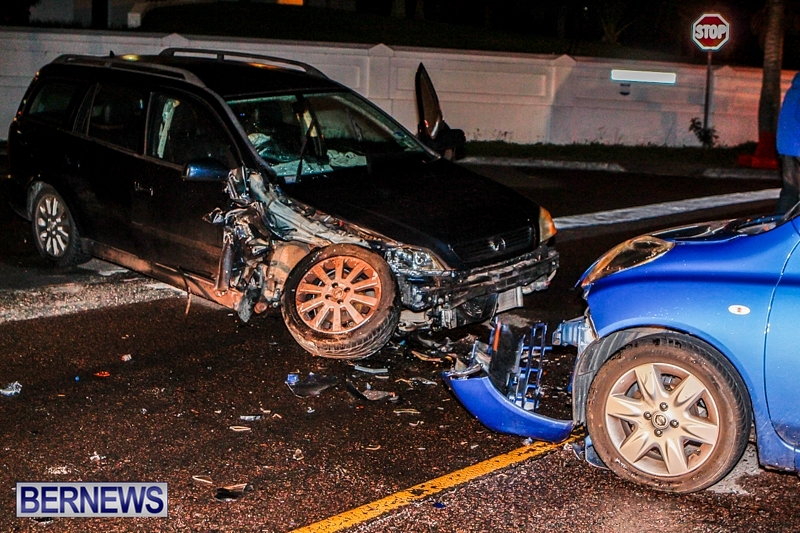 Car-Accident-Devonshire-Bermuda-November-21-2013-12