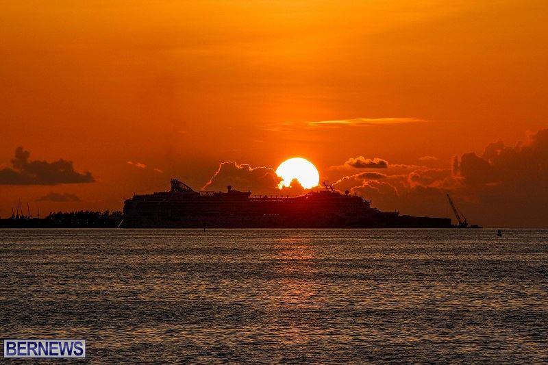 bermuda-cruise-ship-sunset
