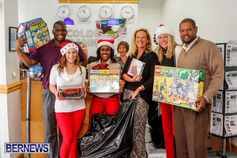 Coldwell-Banker-Toys-For-Tots-Bermuda-December-9-2013-11