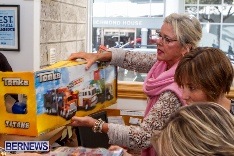 Coldwell-Banker-Toys-For-Tots-Bermuda-December-9-2013-12