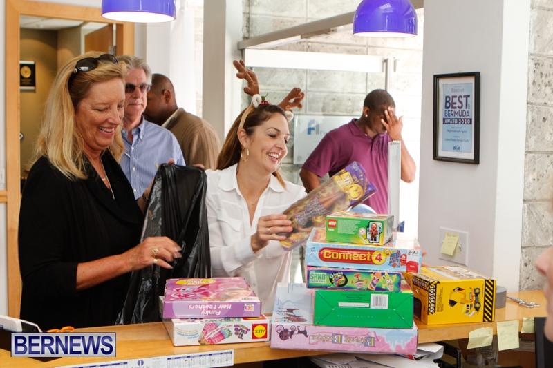 Coldwell-Banker-Toys-For-Tots-Bermuda-December-9-2013-13