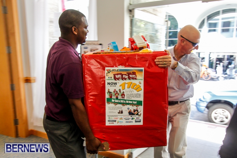 Coldwell-Banker-Toys-For-Tots-Bermuda-December-9-2013-4