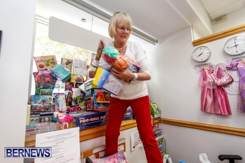 Coldwell-Banker-Toys-For-Tots-Bermuda-December-9-2013-5