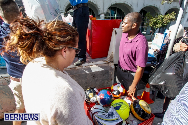 Coldwell-Banker-Toys-For-Tots-Bermuda-December-9-2013-7