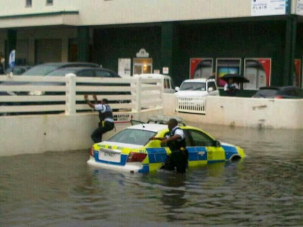 police car stuck on bakery lane