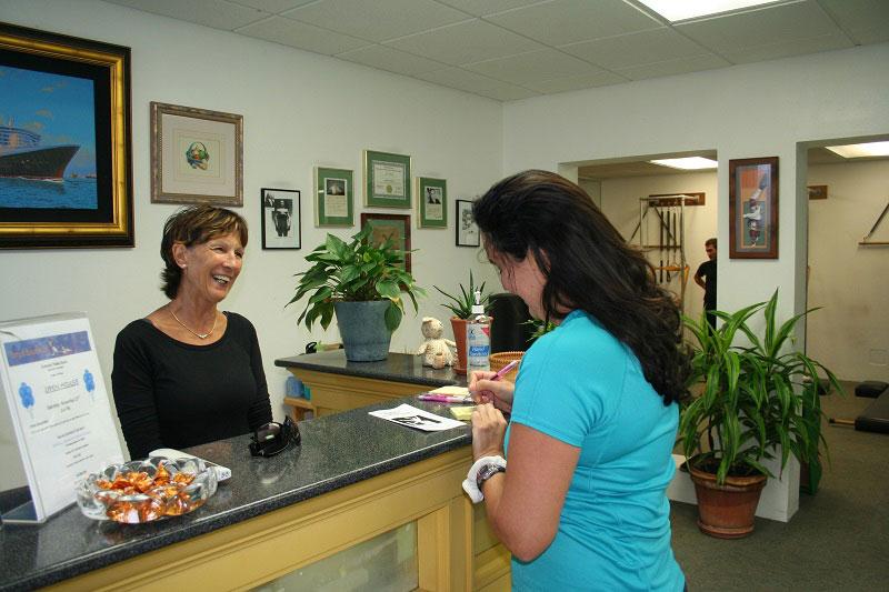 Bermuda-Bodyworks_owner-Jane-Christie-&-client