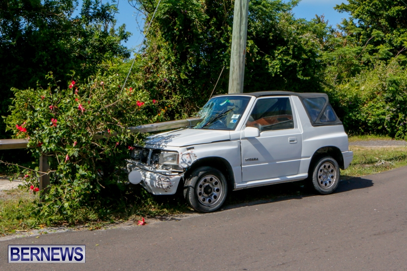 Car-Accident-Bermuda-April-19-2014-2