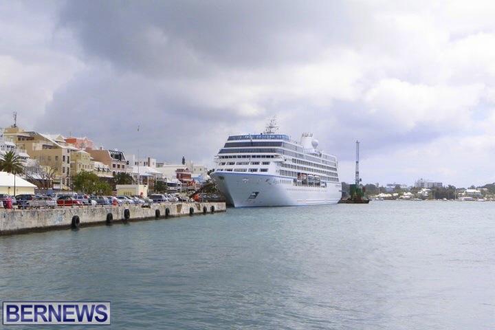 Regatta-Cruise-Ship-in-Bermuda-2014-4