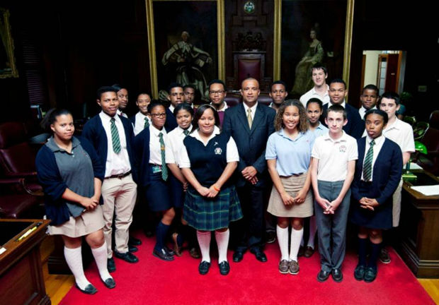 Minister Scott with members of Bermuda Youth Parliament 2013-14