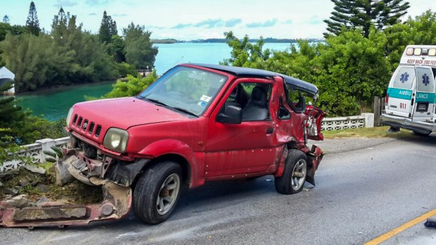 Accident Bermuda, September 12 2014  (3)