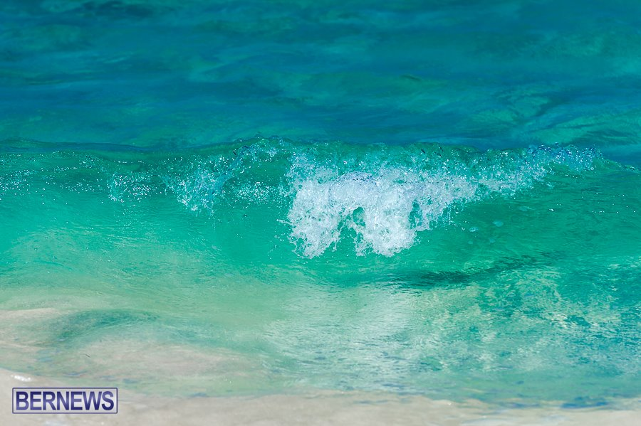 Bermuda ocean water waves generic eeqe