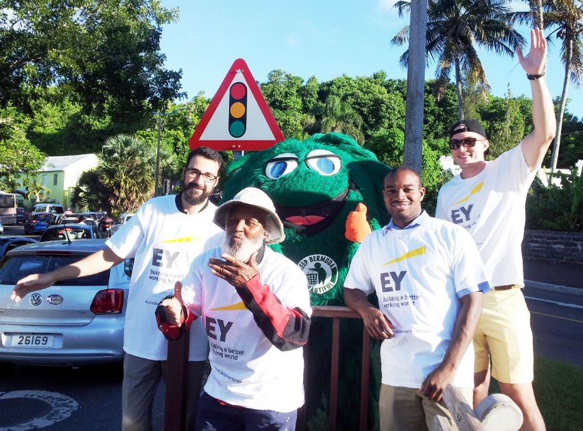 EY Bermuda Coastal Cleanup -Waving with Johnny Barnes - sm