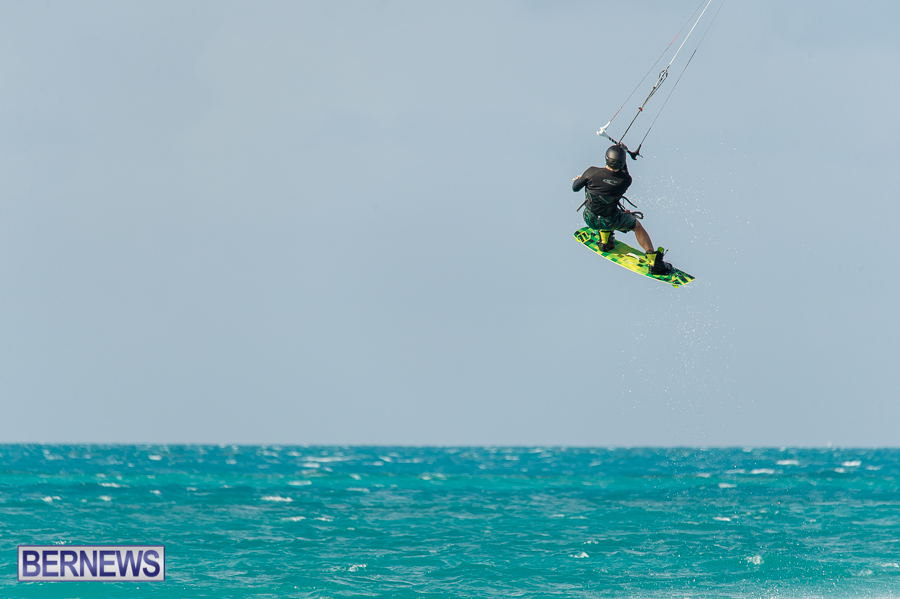 Bermuda-Kite-Surfers-2014-Dec-10