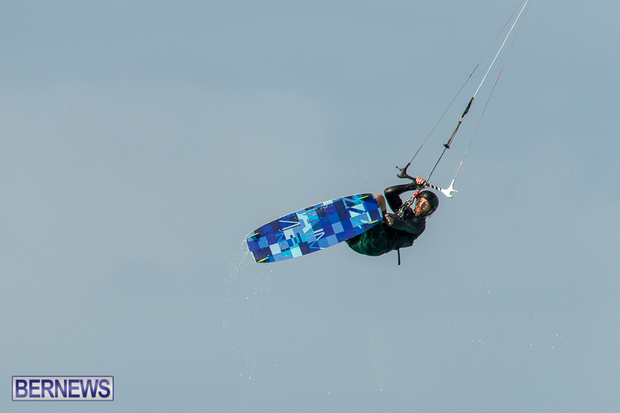 Bermuda-Kite-Surfers-2014-Dec-11