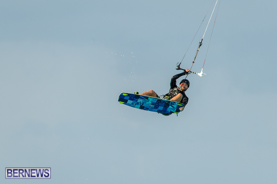 Bermuda-Kite-Surfers-2014-Dec-12