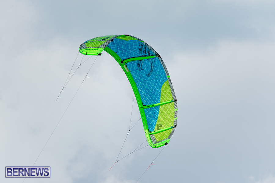 Bermuda-Kite-Surfers-2014-Dec-25