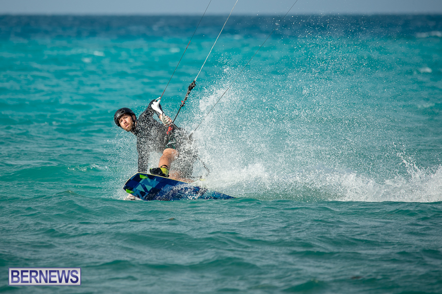 Bermuda-Kite-Surfers-2014-Dec-28