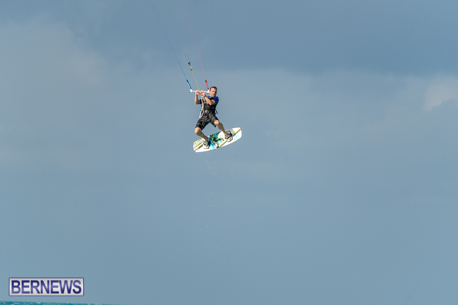 Bermuda-Kite-Surfers-2014-Dec-29