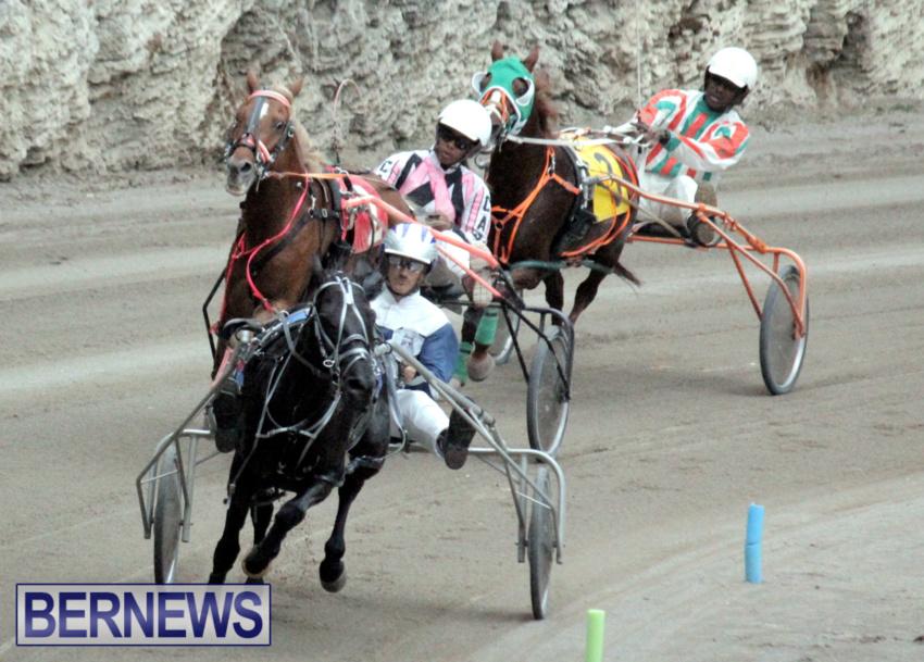 harness-racing-dec-2014-2