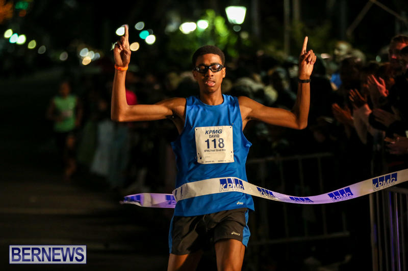 KPMG-Front-Street-Mile-Bermuda-January-16-2015-28