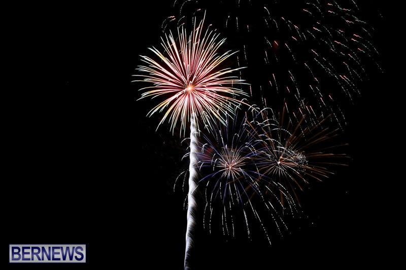 New-Years-Eve-Fireworks-Bermuda-December-31-2014-14