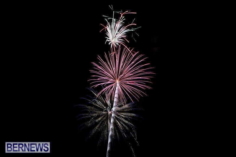 New-Years-Eve-Fireworks-Bermuda-December-31-2014-18
