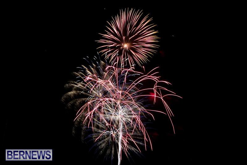 New-Years-Eve-Fireworks-Bermuda-December-31-2014-19