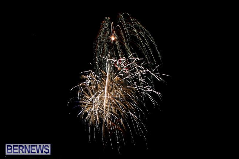 New-Years-Eve-Fireworks-Bermuda-December-31-2014-20