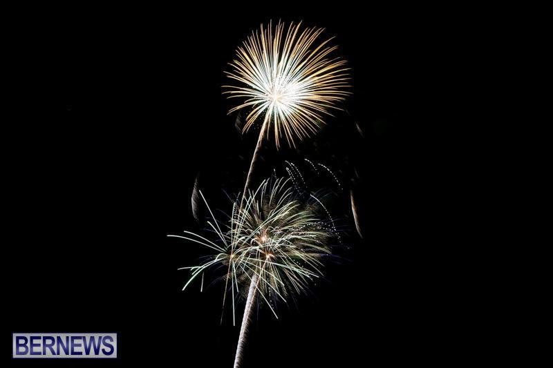New-Years-Eve-Fireworks-Bermuda-December-31-2014-22