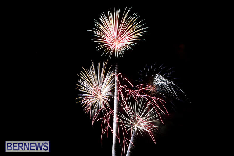 New-Years-Eve-Fireworks-Bermuda-December-31-2014-24