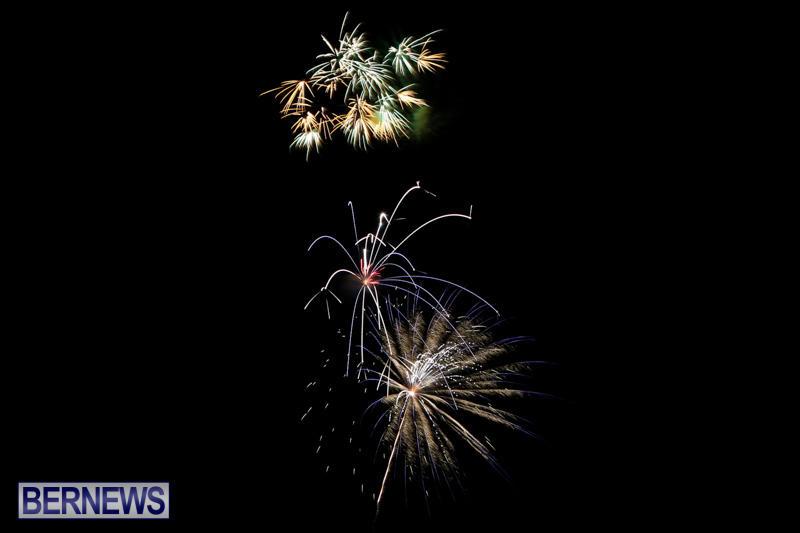 New-Years-Eve-Fireworks-Bermuda-December-31-2014-25