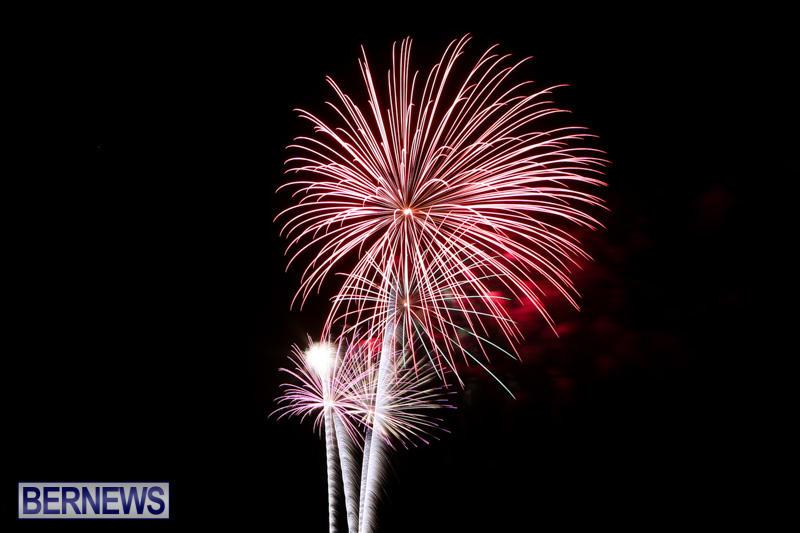 New-Years-Eve-Fireworks-Bermuda-December-31-2014-28