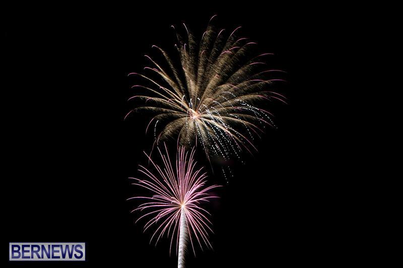 New-Years-Eve-Fireworks-Bermuda-December-31-2014-29